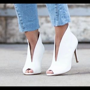 NWT Christian Siriano for Payless Izzi High Bootie